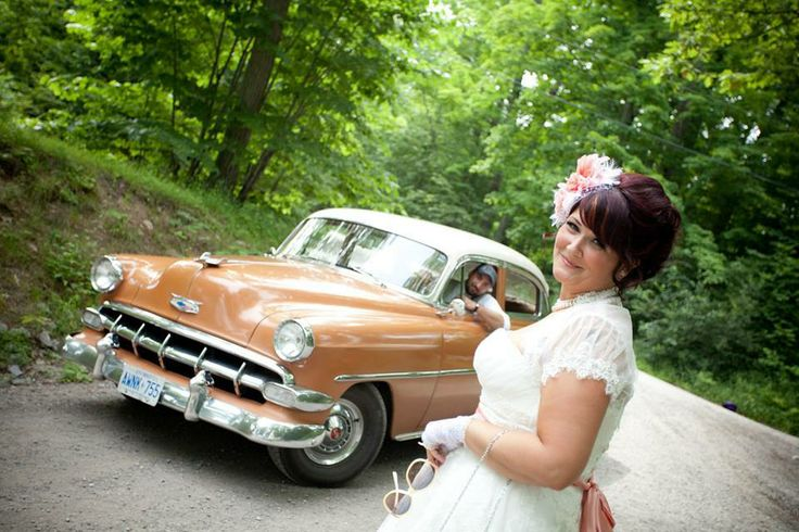 Vintage weddings at Beachwood Resort