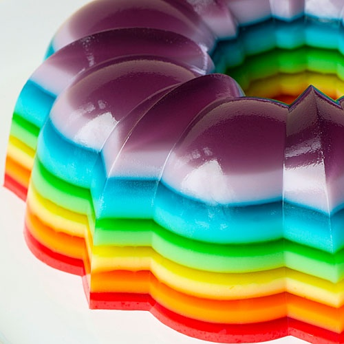 with my love for jello,   i should make these.   <3.