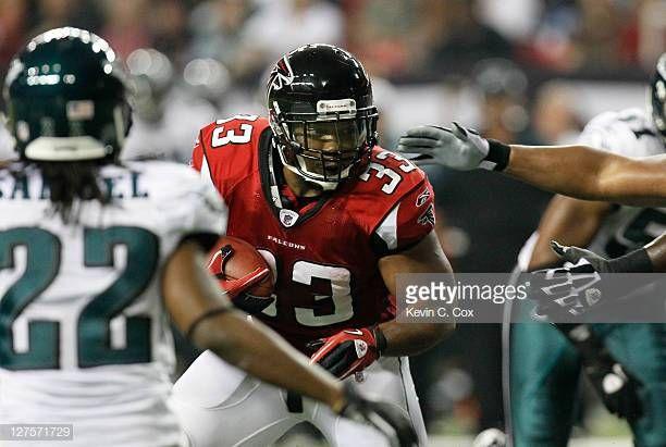 Michael Turner Of The Atlanta Falcons Against The Philadelphia Eagles Atlanta Falcons Michael Turner Atlanta