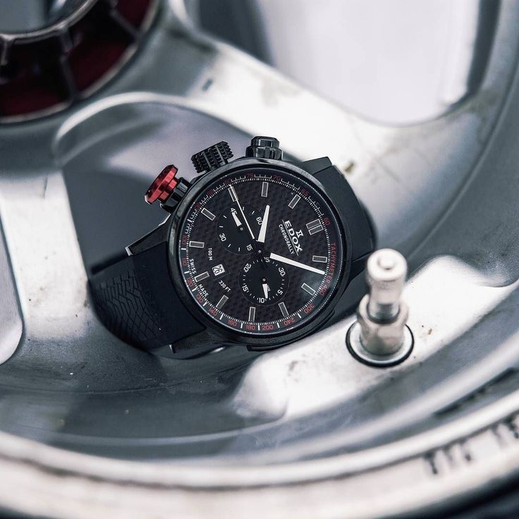 Edox Chronorally carbon dial and red pusher #edox #chronorally #chronograph #racing #rally #racewatch #racepicture #watchfam #swisswatch #swissmade #timingforchampions #sportswatch #