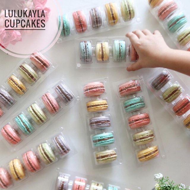 WEBSTA @ lulukaylacupcake - #macarons #macaronlk #cake #cakeshop #cakes #cakejakarta #cupcakes #cupcakejakarta #cafejakarta#lulukaylacupcake #kuejakarta #kueultah #kue #birthdaycake #JKTINFOOD #JKTFOODIES #buttercreamcake #customcake #customcakejakarta #flowercake #cupcakesjakarta #bridalshower