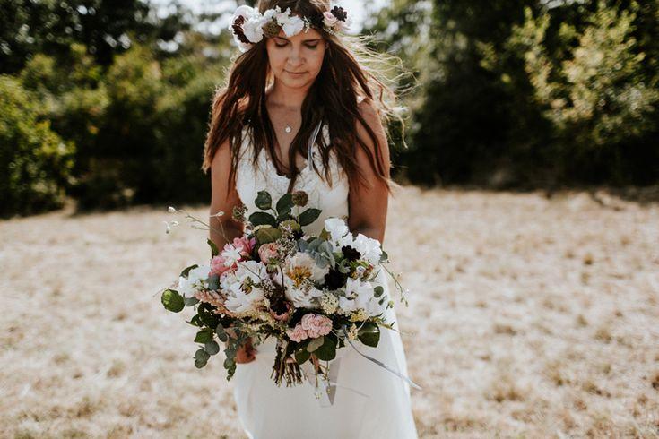 boho bride / lush wedding bouqet / flower crown
