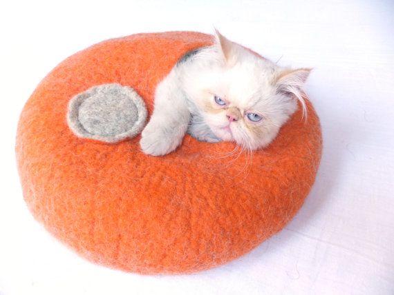 Mommy needs to buy me this. Also - that cat is weird.Cavecat Bedcat, Housecat Vessel, Housecat Bedcat, Bedcat Housecat, Cat Caves Cat, Beds Cat, Felt Cat, Cat Cozy, Baby Cat