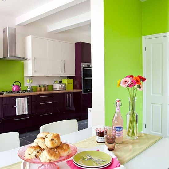 Best 25 apple green kitchen ideas on pinterest green for Aubergine bathroom ideas