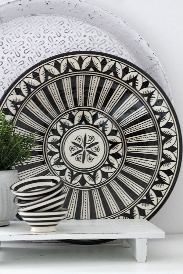 Moroccan ceramic plate flower black 35 cm - HOUSE of IDEAS Oriental accessories and Polish Pottery #MoroccanDishes #BlackandWhite #HomeDecor #MoroccanDecor