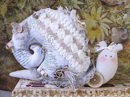 Куклы Тильды ручной работы. Ярмарка Мастеров - ручная работа Тильда Улитка в бохо-стиле Муза вдохновения. Handmade.