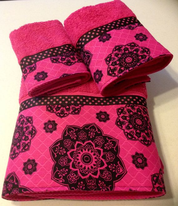 fuschia black bath towel set by wwwladydiblanketsetsycom 5999