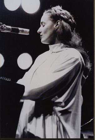 Lisa Gerrard - a voice like no other, an angel in a human form