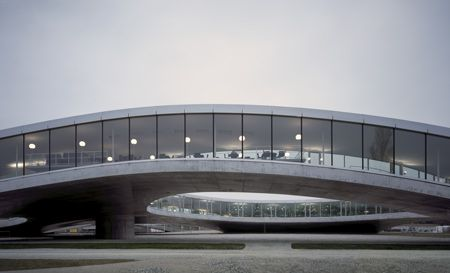 The Rolex Learning Center, Ecole Polytechnique Federale Lausanne /SANAA (Switzerland 2009)
