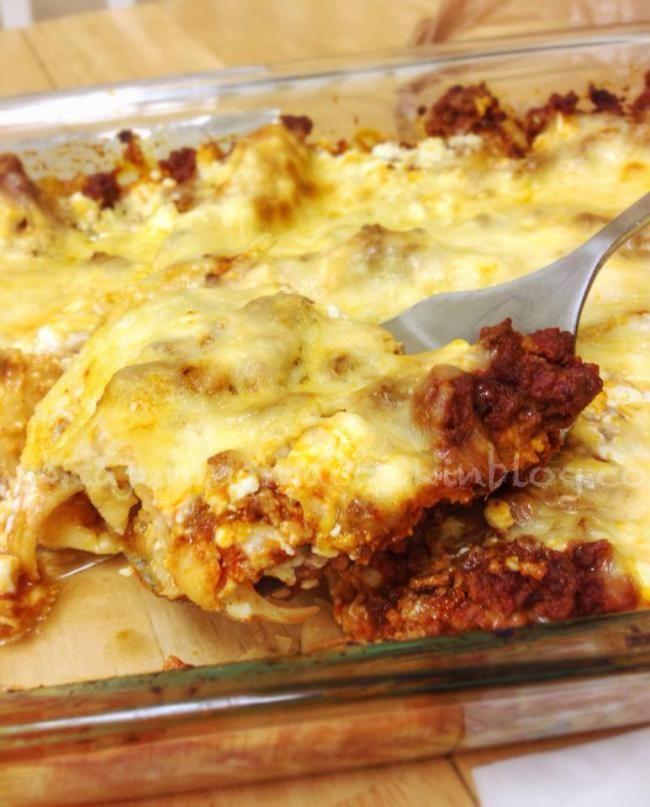 Lazy Girl's Lasagna...last lasagna recipe you will ever need! Anyone can make this!
