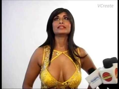 Aiysha Saagar's body assets CAUGHT ON CAMERA. (18+)