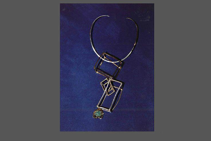 collana scultura in argento con fermaglio in oro e giada incastonata