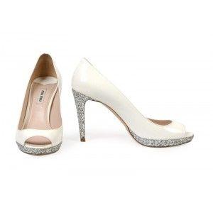 Miu Miu - białe buty na obcasie z cekinami