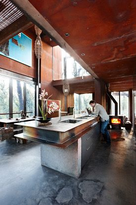 Its compelling story made it the first house profiled in Grand Designs Australia on the Lifestyle Channel. It was also profiled in Sanctuary: modern green homes magazine, issue 14.