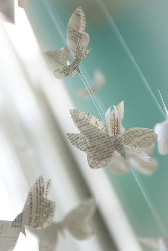 Adorable DIY Butterfly Mobile for baby girl! Now I just have to figure out how to make it...