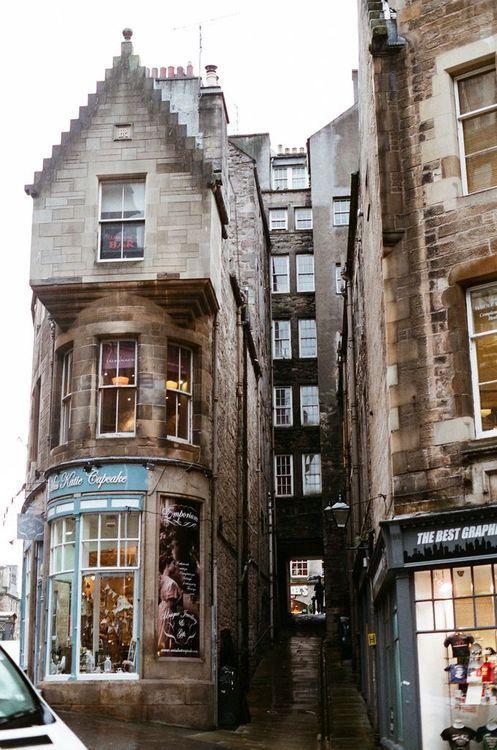 Narrow Passageway, Edinburgh, Scotland