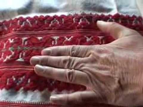 319 Tard  Matyó embroidery. Matyó hímzés (nyakas madár motívum)