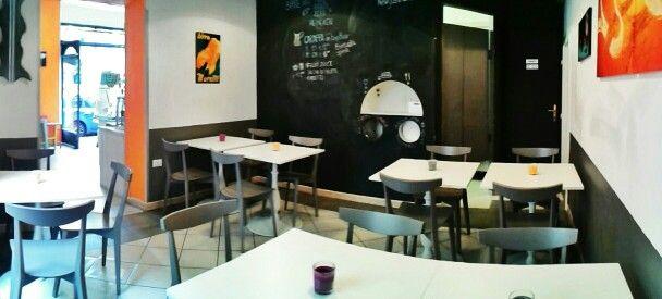 La nostra sala interna con i tavoli - Inner hall