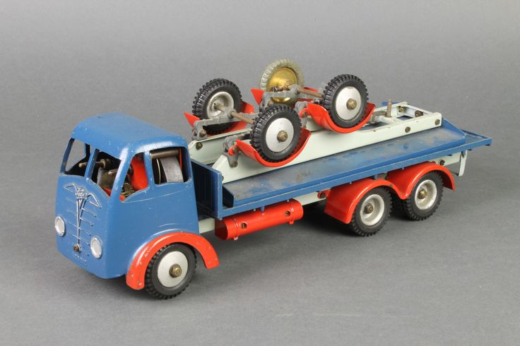 Lot 497, Shackleton, a mechanical scale model of a Foden FG flatbed lorry, est £150-200
