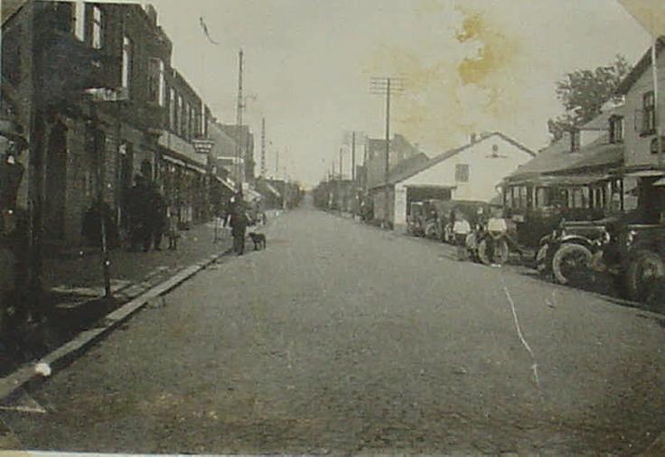Fjerritslev, Østergade uden for kroen ca. 1930.