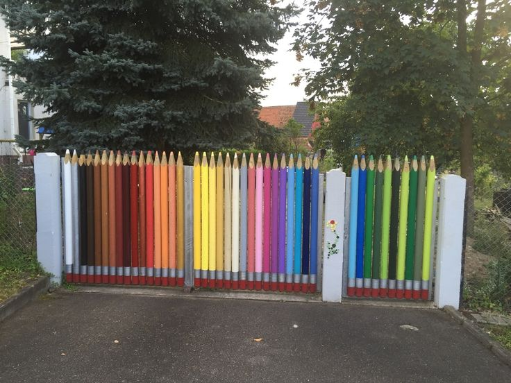 Dit grappige hek kwamen we van de zomer tegen in Zuid-Duitsland. Te leuk om niet te delen.