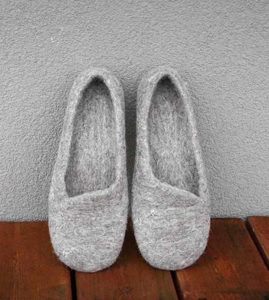 Women house shoes, felted slippers, Eco, handmade, made to order, sheep wool
