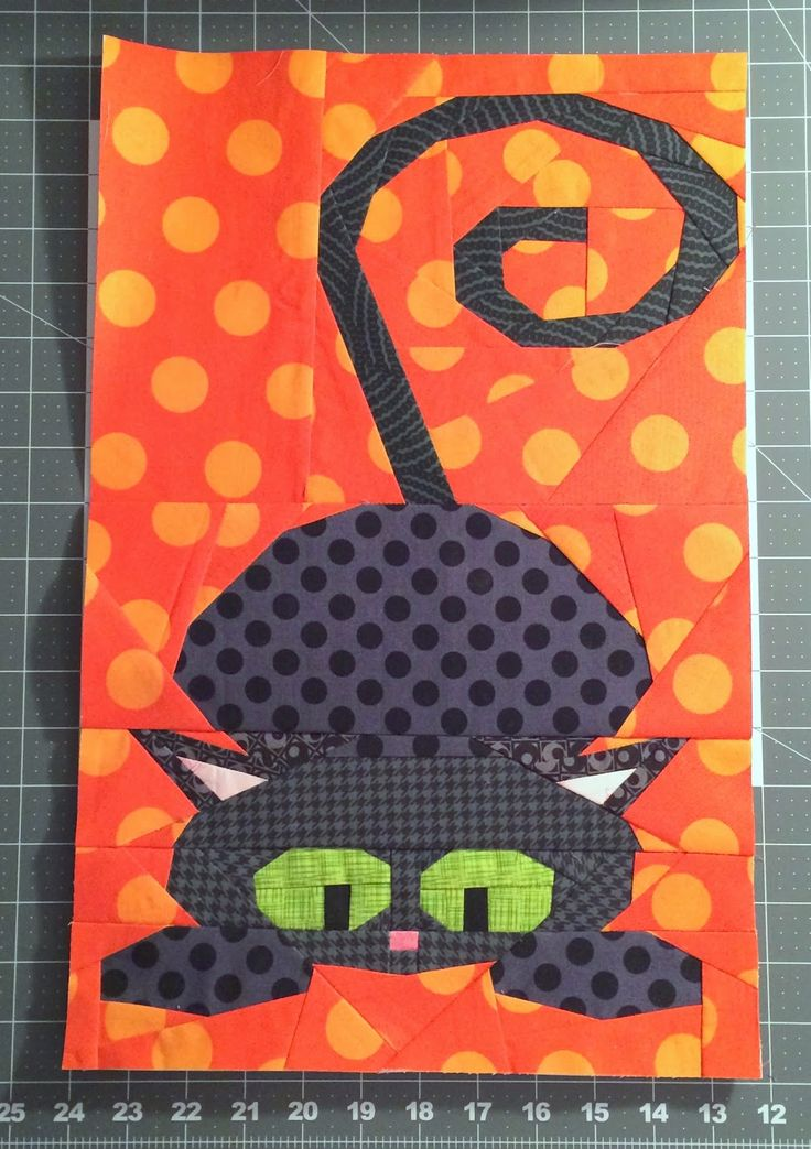 Free Quilt Patterns From Pinterest : 25 best images about Halloween Paper Piecing on Pinterest Free pattern, Quilt art and Quilt