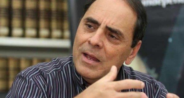 El exministro del gobierno del fallecido presidente Hugo Chávez, Héctor Navarro, indicó este jueves que no esperaba una victoria de la oposición tan grande