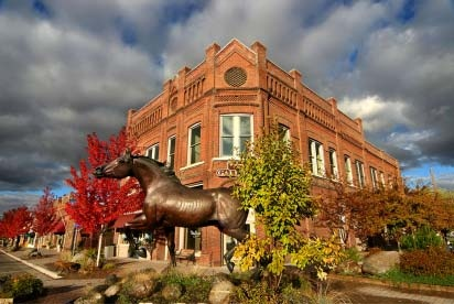 Joseph, Oregon  freedom Horse in front of Valley Bronze, Photography by Mary Edwards