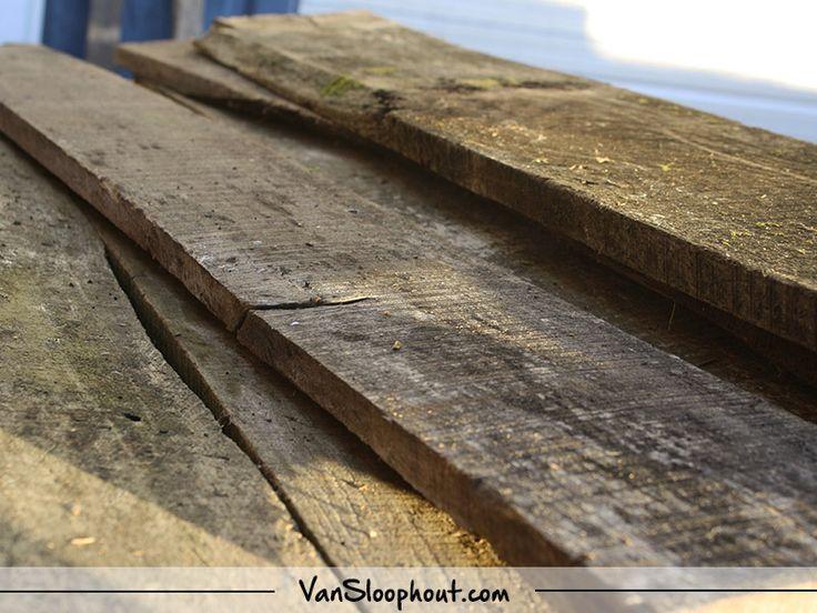 Barnwood planken! Mooie planken om een tafel van te maken of een boerderij deur. #barnwood #deur #tafel #tafelblad #interieur #interior #industriaal #industrial #wonen #living #home #horeca #interiordesign #kantoor