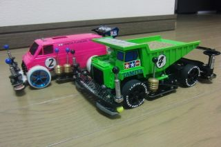 Pink Van & Green Dump Truck | Mini 4WD Tamiya Marukai Pacific Market Gardena / Los Angeles Beautiful Southern California USA 310-464-8888