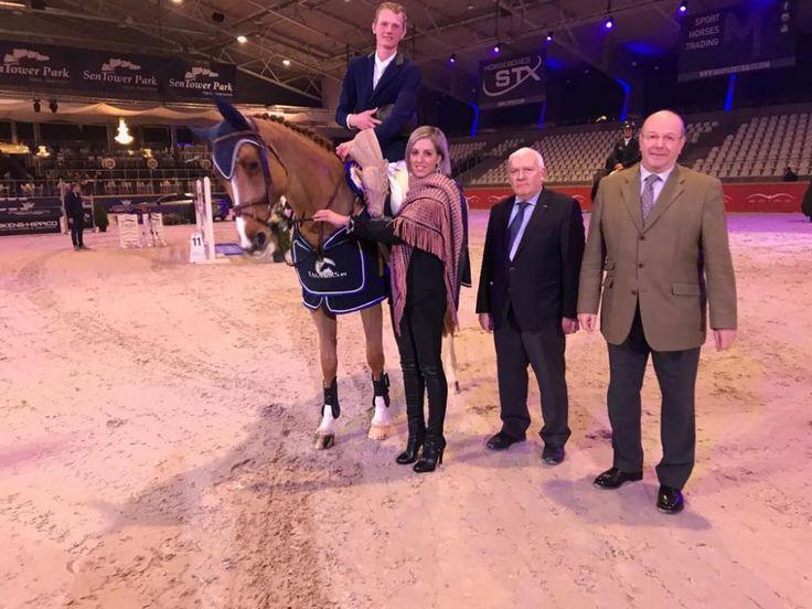 El jinete holandés Frank Schuttert liquidó todas las pariciones del jinete de casa Gregory Wathelet, al ganar el Gemeente Oudsbergen Grand Prix en Bélgica.
