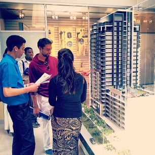 Some VIPs checking out our scale model, thinking of the possibilities of investing or purchasing a @melivingcondos unit!