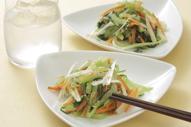 チンゲン菜とニンジンのナムル | チンゲン菜を使った韓国風の和え物です。