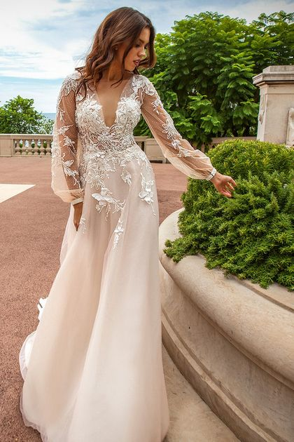 2018 Deep V Wedding Dresses A Line Tulle With Handmade Flower And Beads US$ 299….