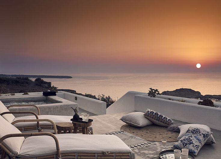 Hip Greece | Hotels | Santo Maris Oia Luxury Suites and Spa #Oia #Santorini #Greece #luxury