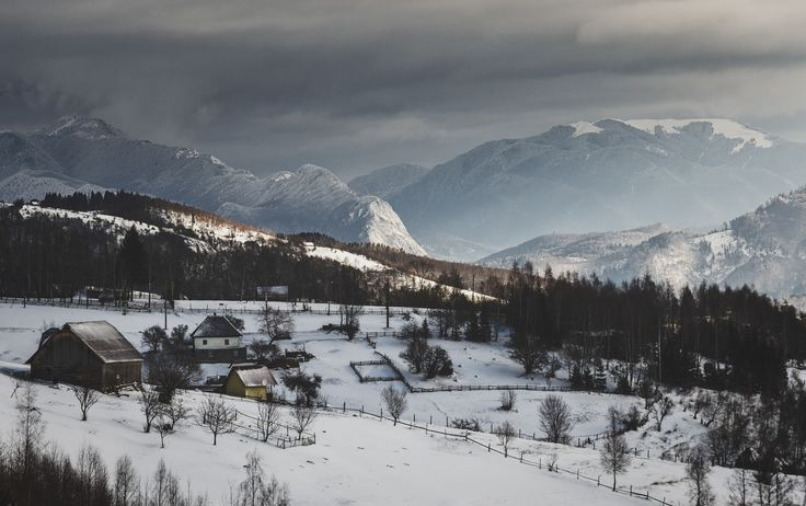 Frozen landscape - Postavaru Massif (left) and Leaota Mountains (right) on a cold winter morning