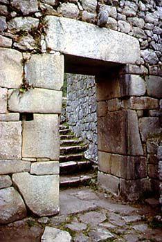 Inca architecture - an interlocking puzzle