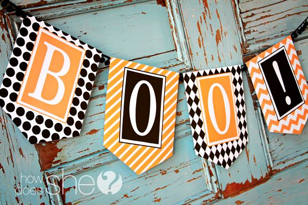 FREE! Printable Halloween photo banner kit, available at HowDoesShe... So cute! I'm doing this for Halloween!