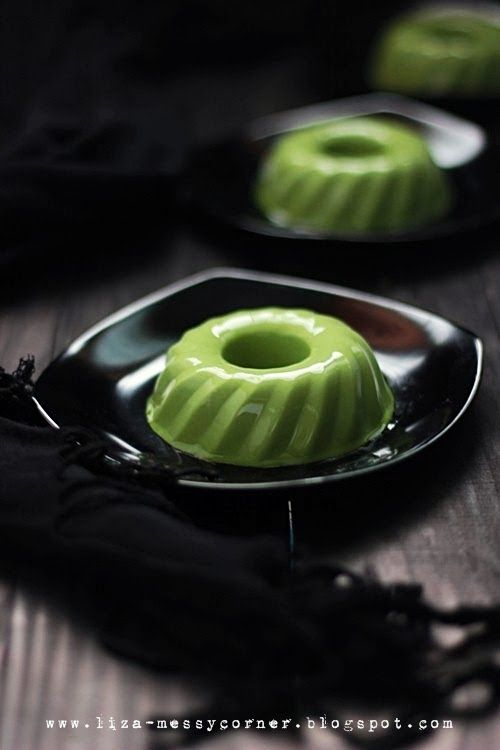 Matcha green tea pudding