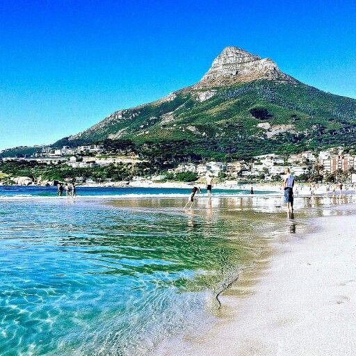Camps Bay- View of Lions Head