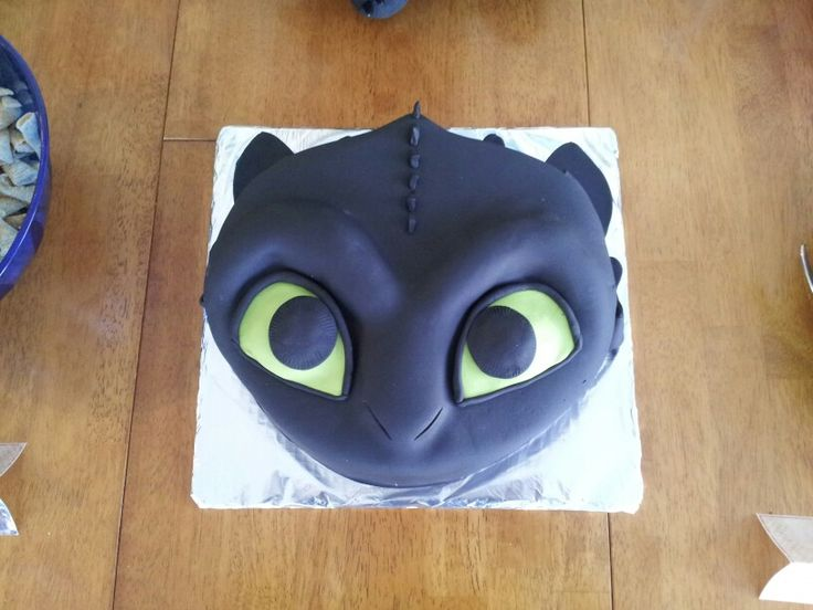 My daughter's AMAZING Toothless cake!
