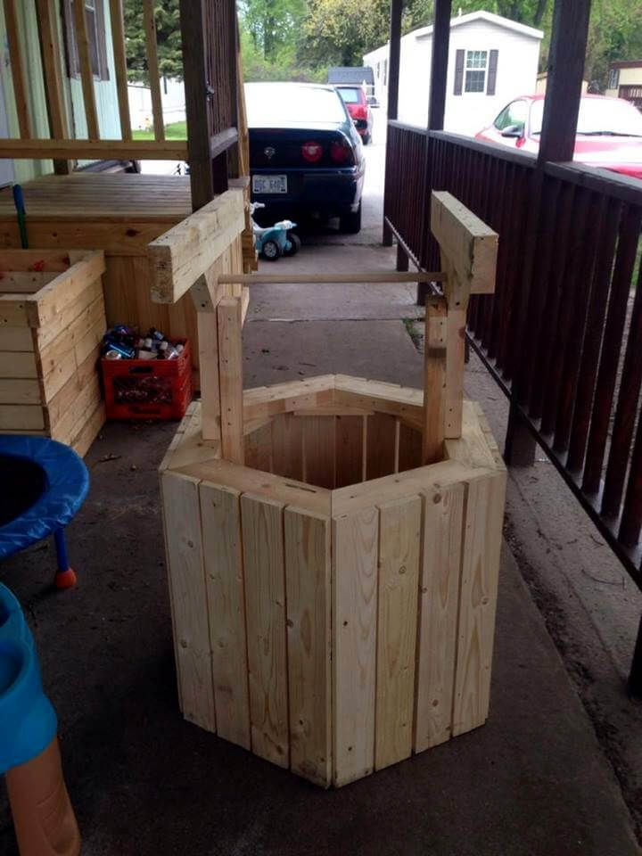 Build Wood Pallet Wishing Well Pallet Projects Wood Pallets