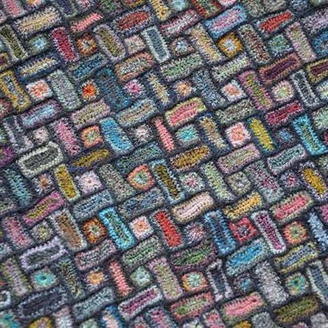 Sophie Digard crochet - Scarf, Rosette - Selvedge
