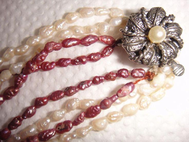 Biwa Perle violett und weiss Kette 4 Stränge Schließe 2 reihig aus dem Jahr 1970