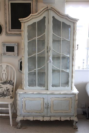 Wonderful French style hutch paint with ASCP, Annie Sloan Chalk Paint in Duck Egg and Old Ochre by FiFi Chic.