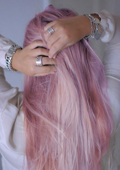 ...lovely color hair ...(•‿•)