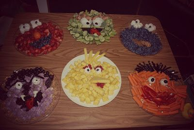 """Sesame Street Fruit and Veggie Trays Elmo, Oscar the Grouch, Cookie Monster, Count Von Count, Big Bird and Ernie! Her blog is pretty long, but some cute """"green"""", """"healthy"""" and DIY ideas."""