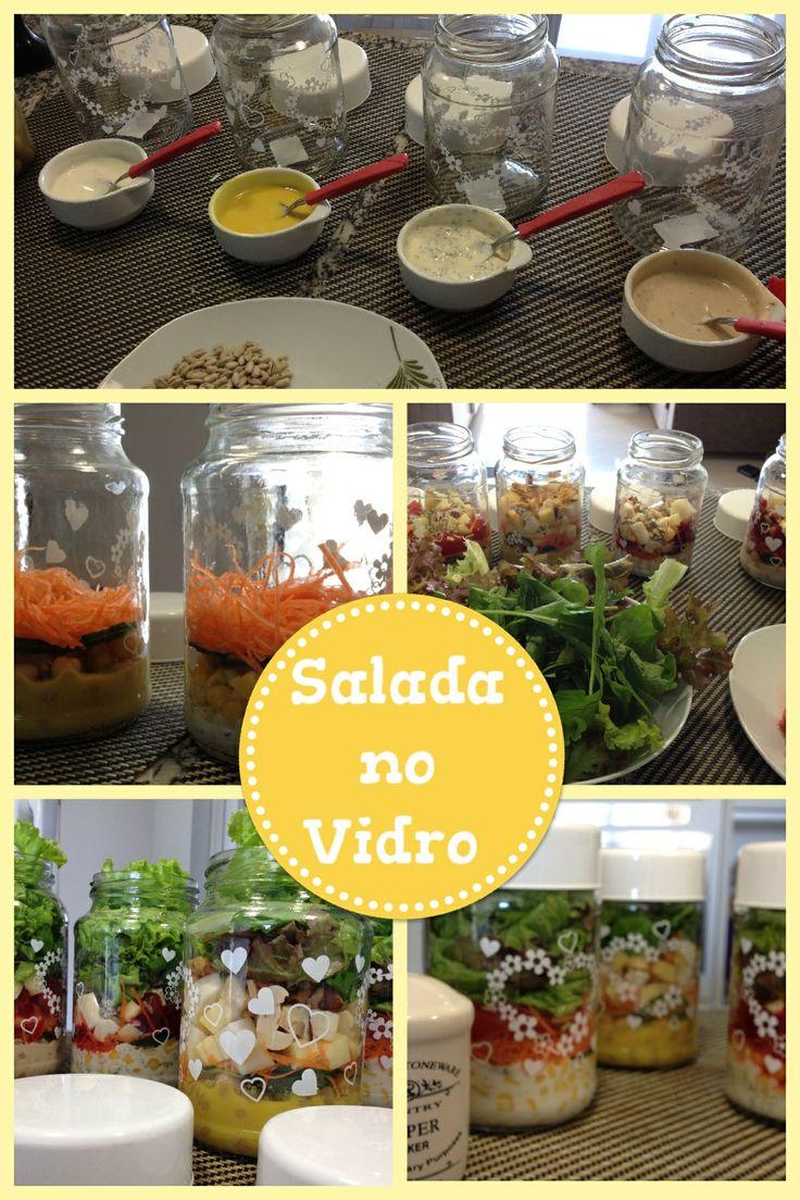 Jar salad!! Salada em potes de vidro!! I love it! ;)