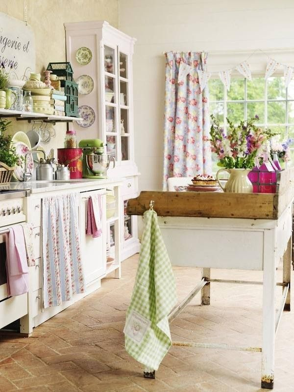 THIS is how I want my cottage kitchen in England to look like! <3